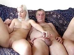 yasli moruk sex  oral sex woman