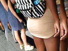 Vestido curto e bunda tesuda