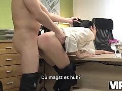 VIP4K. Fremder, der im Leihbüro...