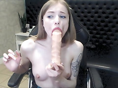 Leia deepthroat close to camera