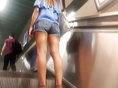 Teen sexy ass legs feets in...