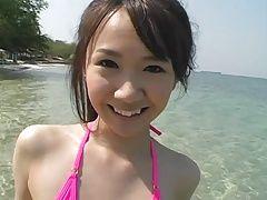 MINAMI Ayana on the beach