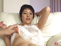 18 Squirting Japanese likes to...