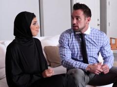 Busty teen in hijab wants creampie