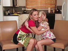 SEXYMOMMA - Stepmom lets her...