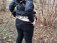 young german girl girl piss in bush