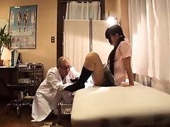 Japanese Perverse Doctor Gyno...