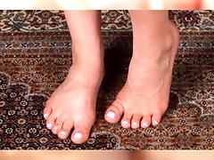 KYLIE PAGE {FEET-TRIBUTE}...