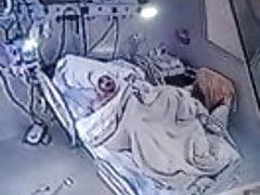 U bolnici