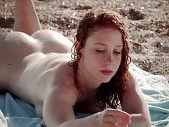 Redhead Girl . Beach Booty Bouncing