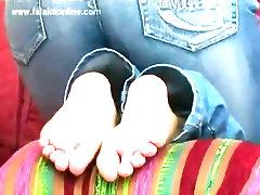 tickle soles