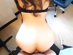 Curvy Babe Getting Morning Anal...