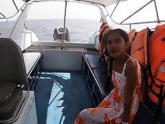 Amateur Thai teen fucked on boat...